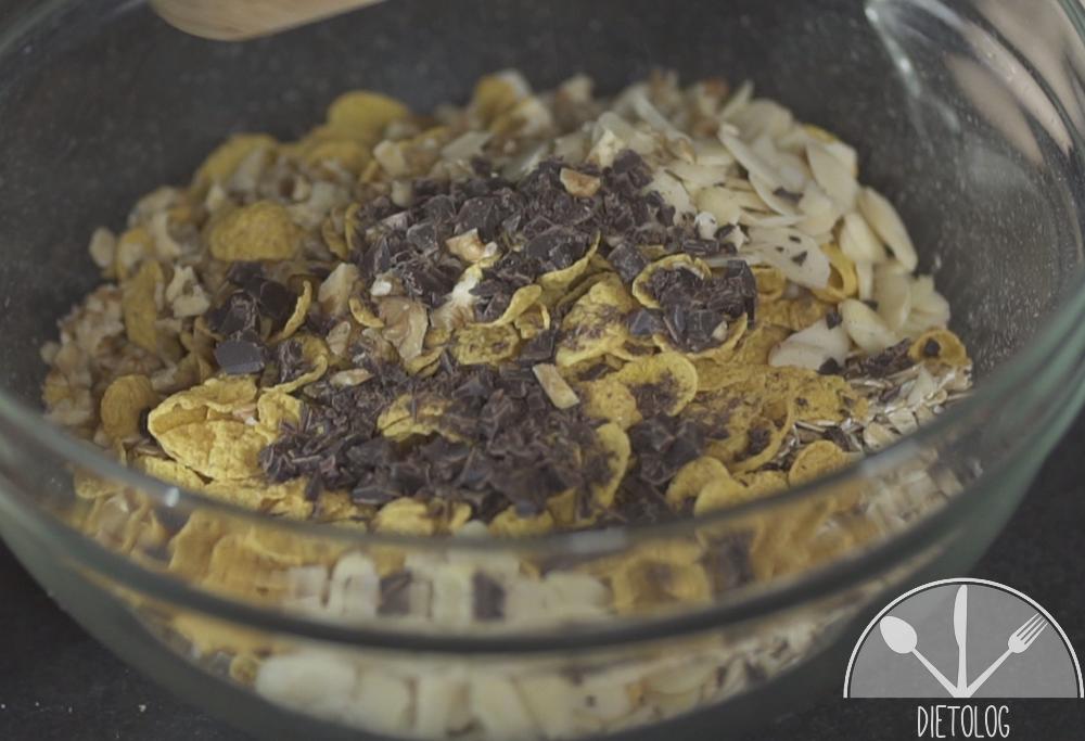 ciastka owsiane składniki w misce