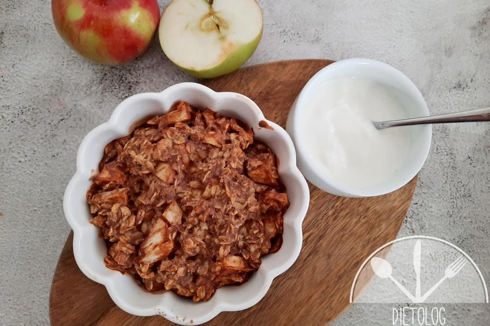 pieczona owsianka jabłko i jogurt
