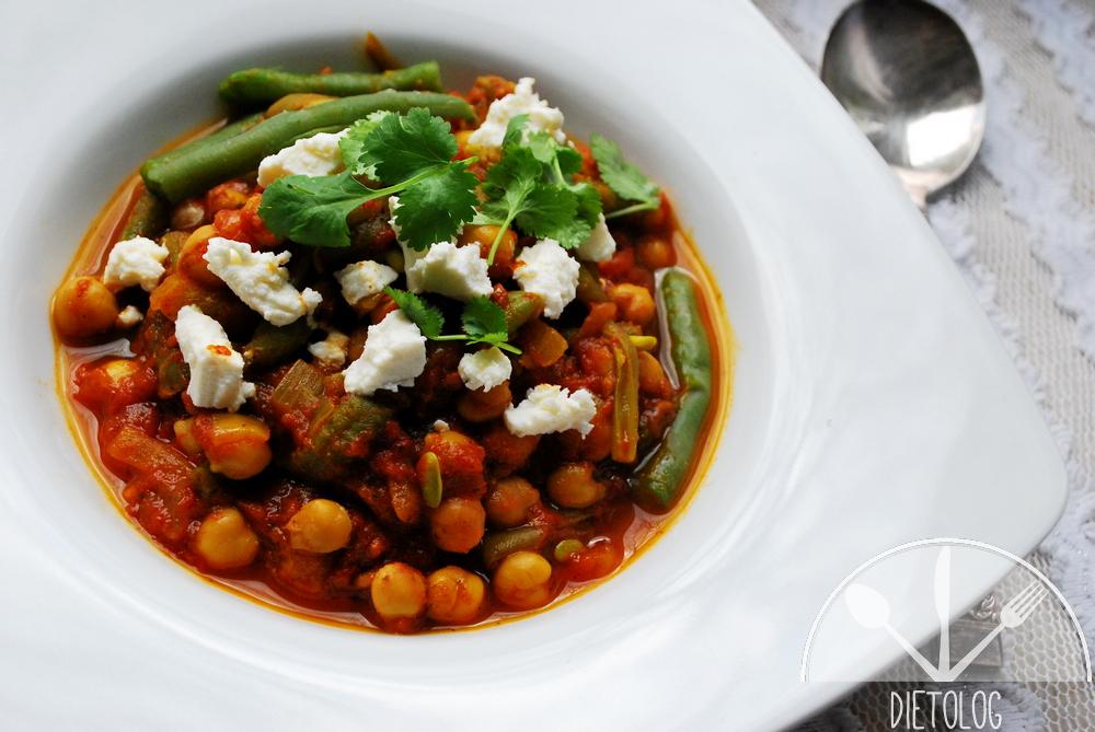 curry z cieciorki, fasolki i pomidorów