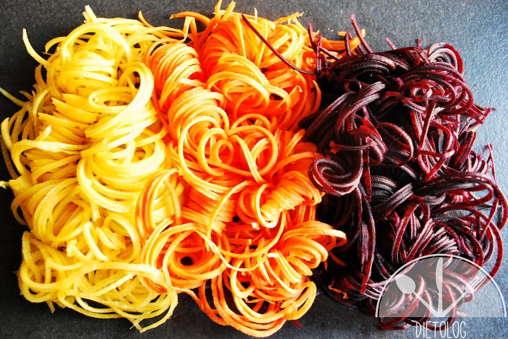 surówka z marchewki w trzech kolorach