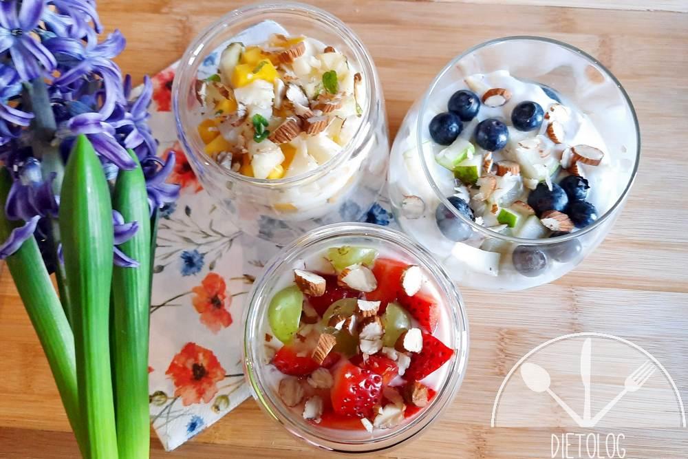 jogurt z owocami parfait